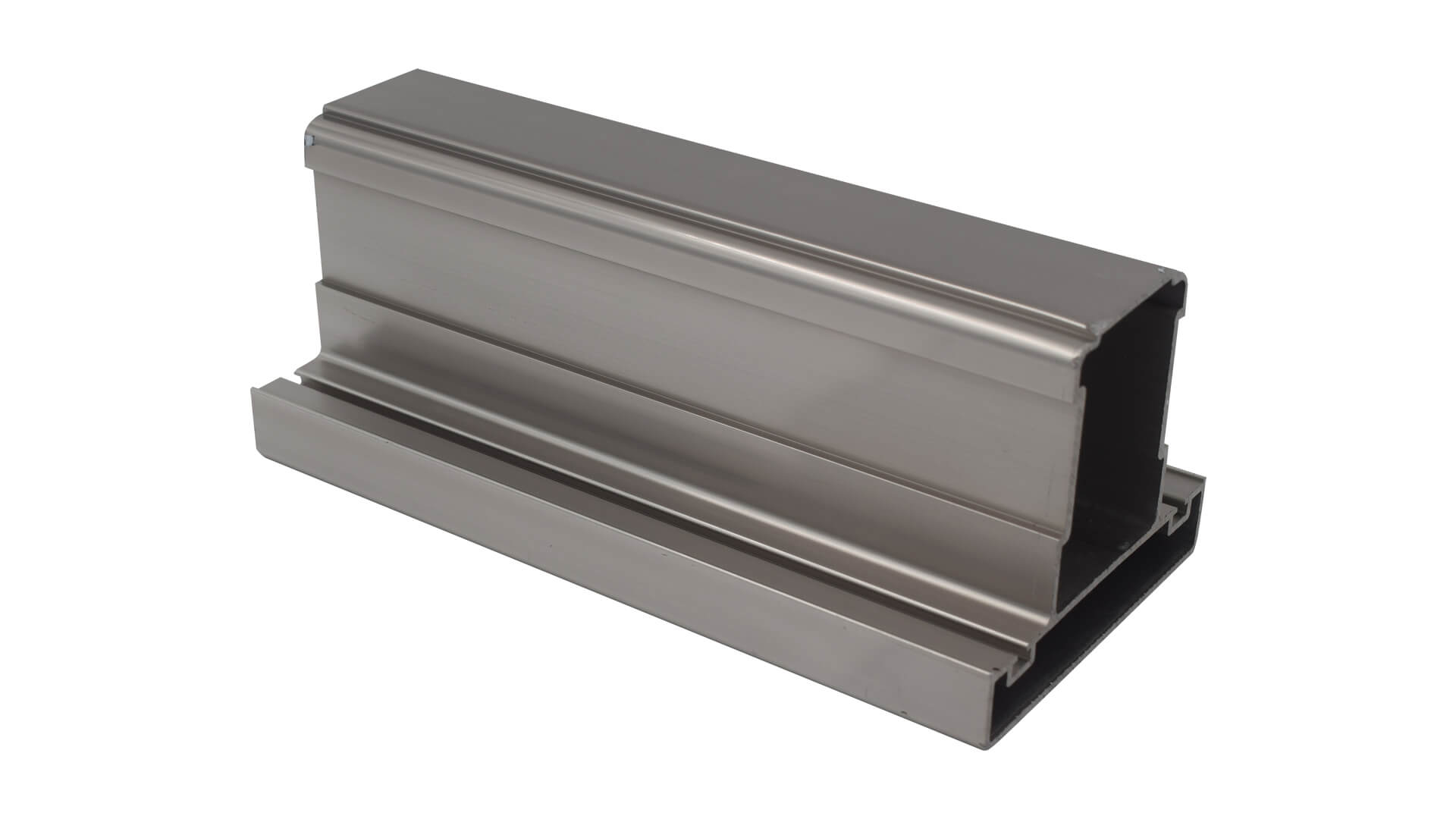 Asistanin-Urun-Cekimi-Cengiz-Seda-Aluminyum-3